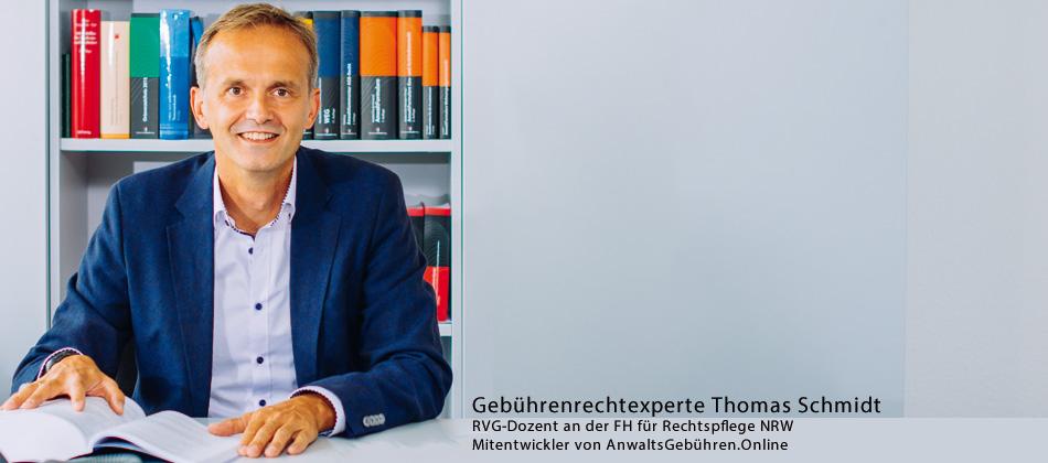 """Foto: Gebührenrechtexperte Thomas Schmidt, RVG-Dozent an der FH für Rechtspflege NRW, Mitentwickler von AnwaltsGebühren.Online: """"In meinen Webinaren zeige ich Ihnen, wie Sie keinen Cent bei Ihrer Honorarabrechnung verschenken."""""""